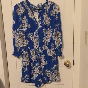 Dresses & Skirts - Blue floral romper